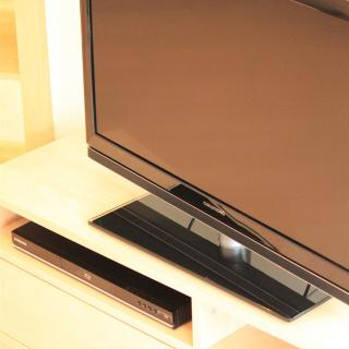 LED-TV und BluRay-Player (L1)